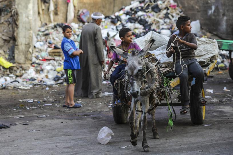 Warunki życia w Mieście Śmieci są trudne /Getty Images
