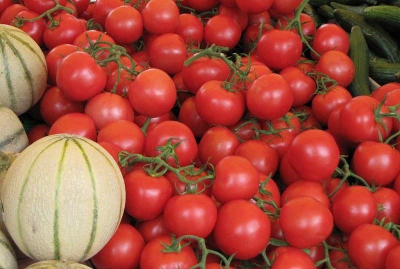 Warzywa i owoce można kupić na paryskim Placu Bastylii /Marek Gładysz /RMF FM
