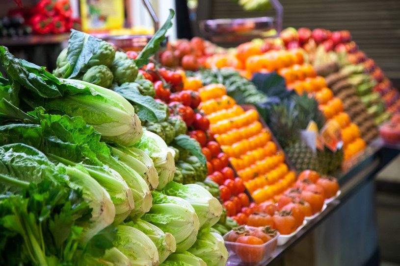 Warzywa i owoce to idealna podstawa tęczowej diety /123RF/PICSEL