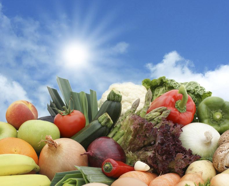 warzywa i owoce /© Photogenica