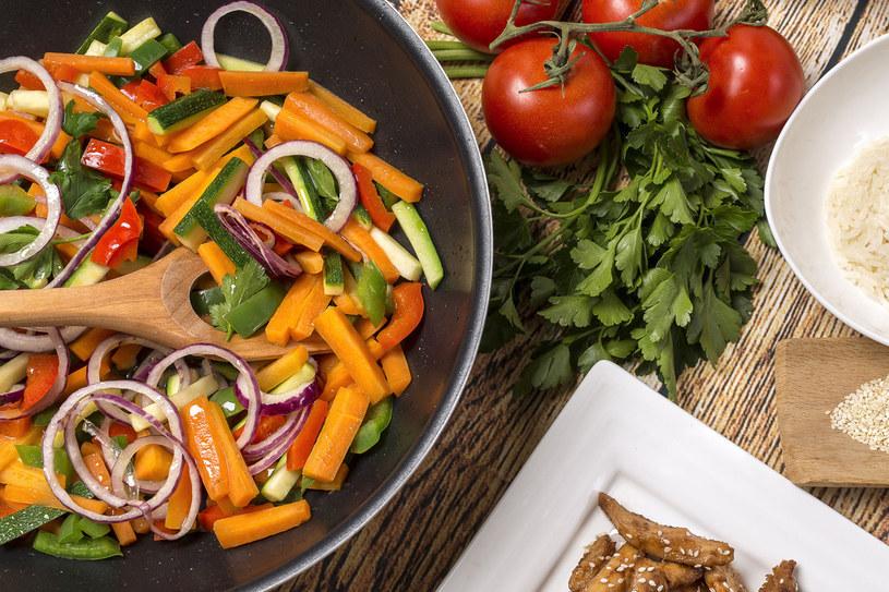 Warzywa po azjatycku /123RF/PICSEL