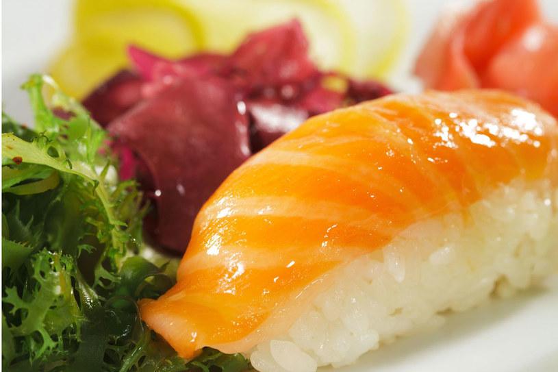 Warzywa, ryby i ryż to podstawa diety mieszkańców Okinawy /123RF/PICSEL