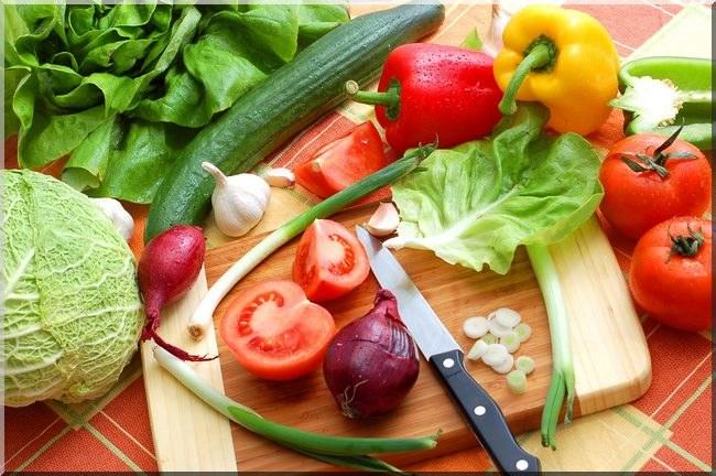 Warzywa w kawałkach /© Photogenica