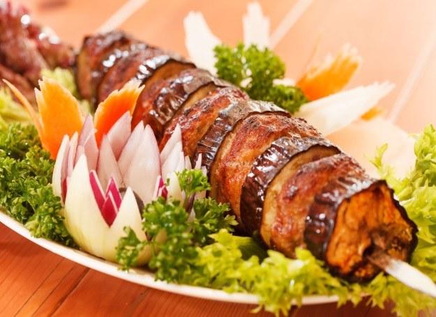 Warzywne szaszłyki, idealne dla wegetarian /123RF/PICSEL