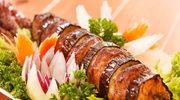 Warzywne szaszłyki z batatów i bakłażana