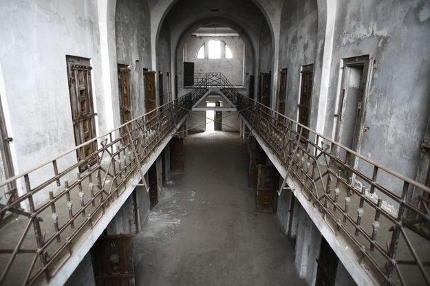 """""""Washington Post"""" napisał, że Polska w zamian za 15 mln dol. zgodziła się, by USA stworzyły w 2002 r. w Starych Kiejkutach prawdopodobnie najważniejsze spośród tajnych więzień /123RF/PICSEL"""