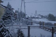 Wasze zimowe zdjęcia. Oprószone auta, bitwy na śnieżki
