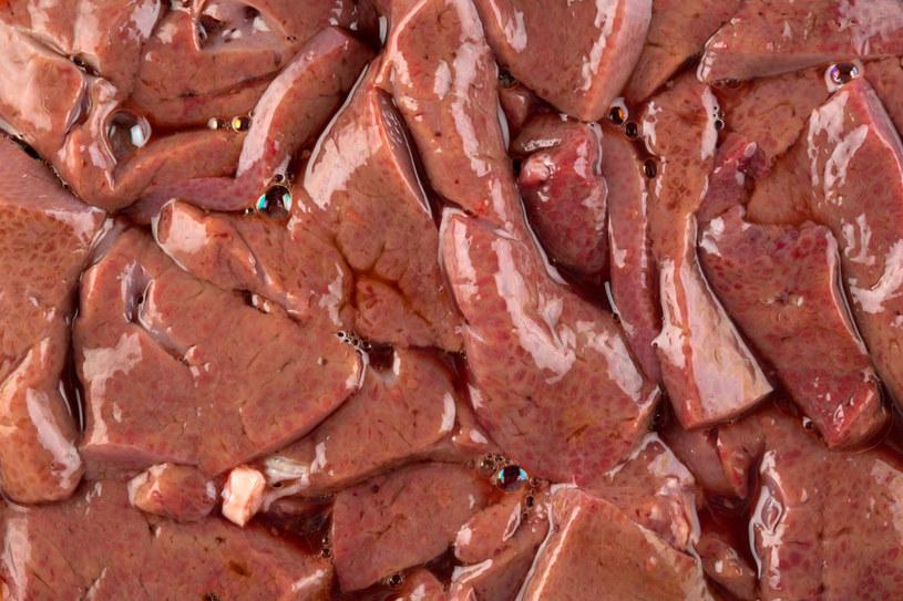 Wątróbka jest świetnym źródłem żelaza i witamin /123RF/PICSEL