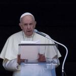 Watykan: Papież spotkał się z uchodźcami z Afganistanu. Obejrzał z nimi film