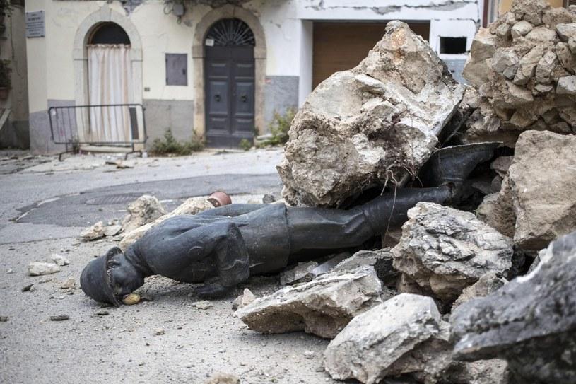 """Watykan potępił słowa we włoskim Radiu Maryja o trzęsieniu ziemi jako """"karze boskiej"""" /PAP/EPA"""
