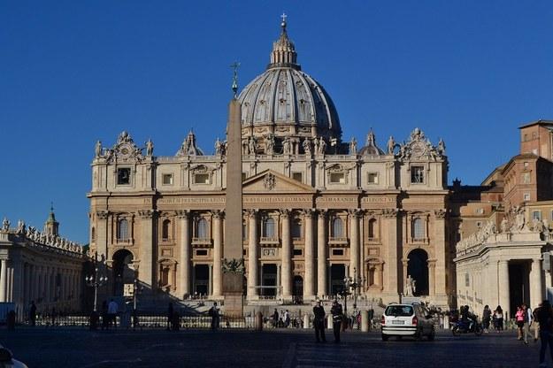 Papież: Wspomnienie świętych skłania nas do tego, by wznieść oczy ku niebu