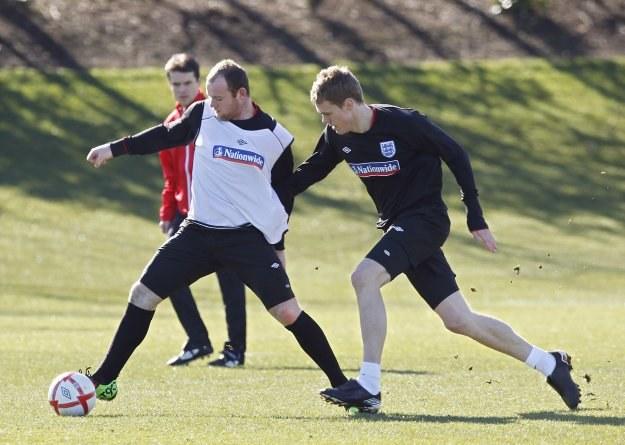 Wayne'a Rooneya nie zatrzyma nawet Ryan Shawcross /AFP