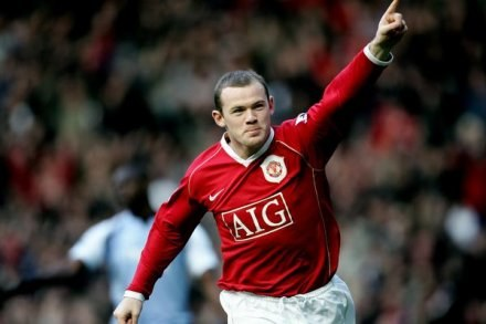Wayne Rooney jako pierwszy trafił do siatki w derbach Manchesteru /AFP
