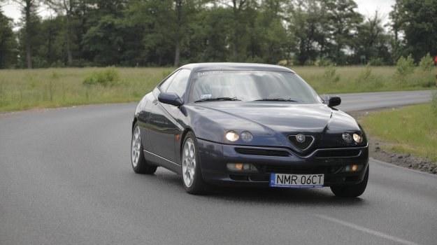 Wbrew pozorom, zadbana Alfa GTV jest niezawodna. Kluczową kwestią jest terminowa wymiana rozrządu. /Motor