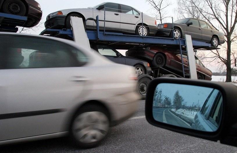 Wbrew wcześniejszym zapowiedziom, akcyza na samochody nie ulegnie zmianie /Wojciech Jargilo /Reporter