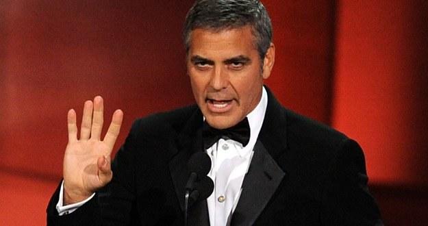 """""""Wcale nie jest tak źle"""" - wydaje się mówić George Clooney /AFP"""