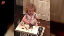 Wcierała w siebie czekoladę. Co na to rodzic?