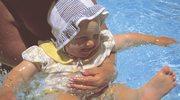 Wczesna nauka pływania korzystnie wpływa na rozwój dziecka
