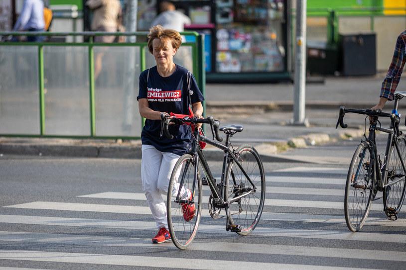 Wcześniej Jadwiga Emilewicz jeździła czarną kolarzówką. Rower został skradziony /PAWEL JASKOLKA / SUPER EXPRESS/GALLO IMAGES /Getty Images