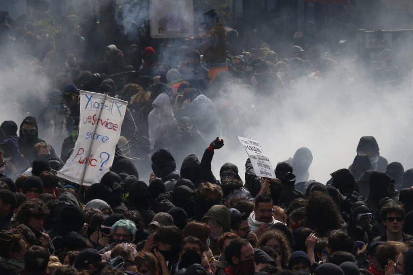 """Wcześniej w sieciach społecznościowych ukazało się wezwanie do urządzenia we wtorek """"dnia rewolucji"""" /AFP"""