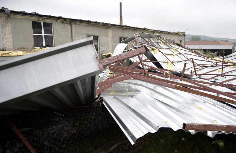 Wczoraj burze i nawałnice nad południową Polską spowodowały liczne szkody /Darek Delmanowicz /PAP