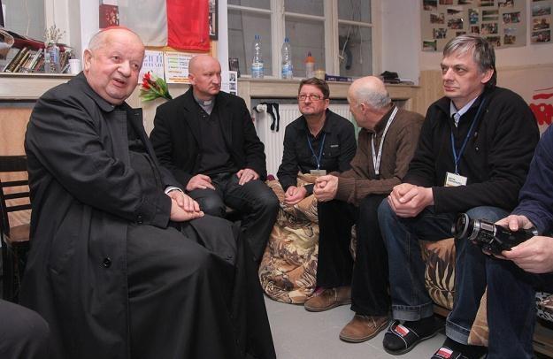 Wczoraj głodujących w Krakowie odwiedził kardynał Dziwisz, fot. D. Klamka /East News