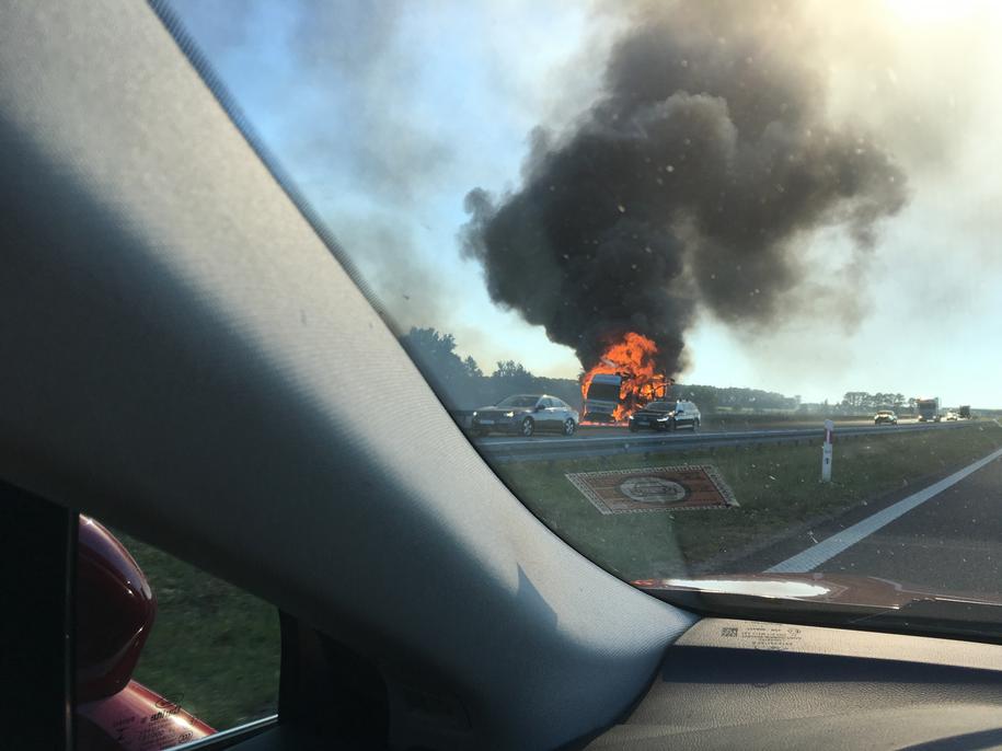 Wczoraj na A2 zapaliły się dwa tiry /Gorąca Linia RMF FM