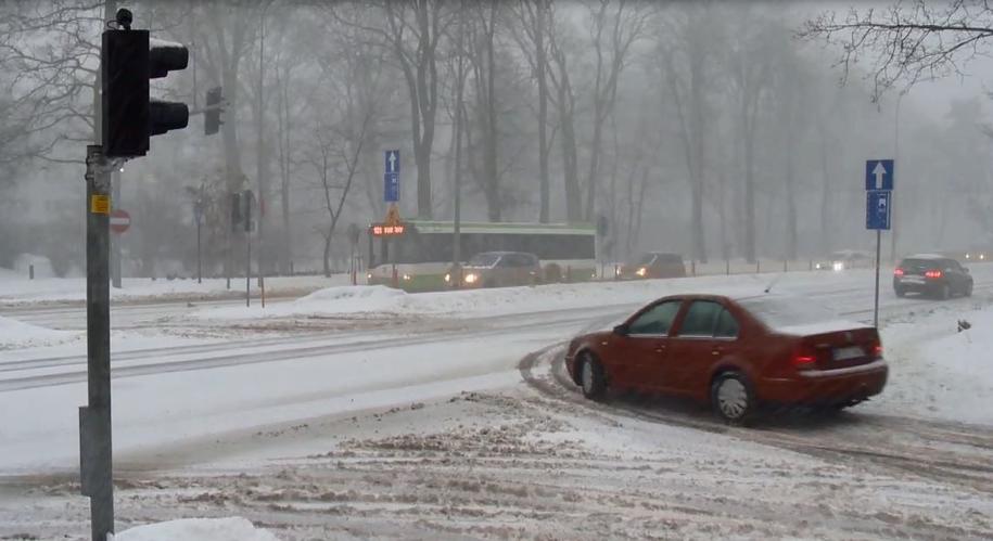 Wczorajsza śnieżyca w Białymstoku /TVN24/x-news