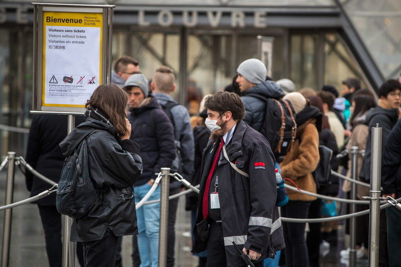 We Francji oficjalnie stwierdzono 191 przypadków zakażenia koronawirusem /CHRISTOPHE PETIT TESSON /PAP/EPA