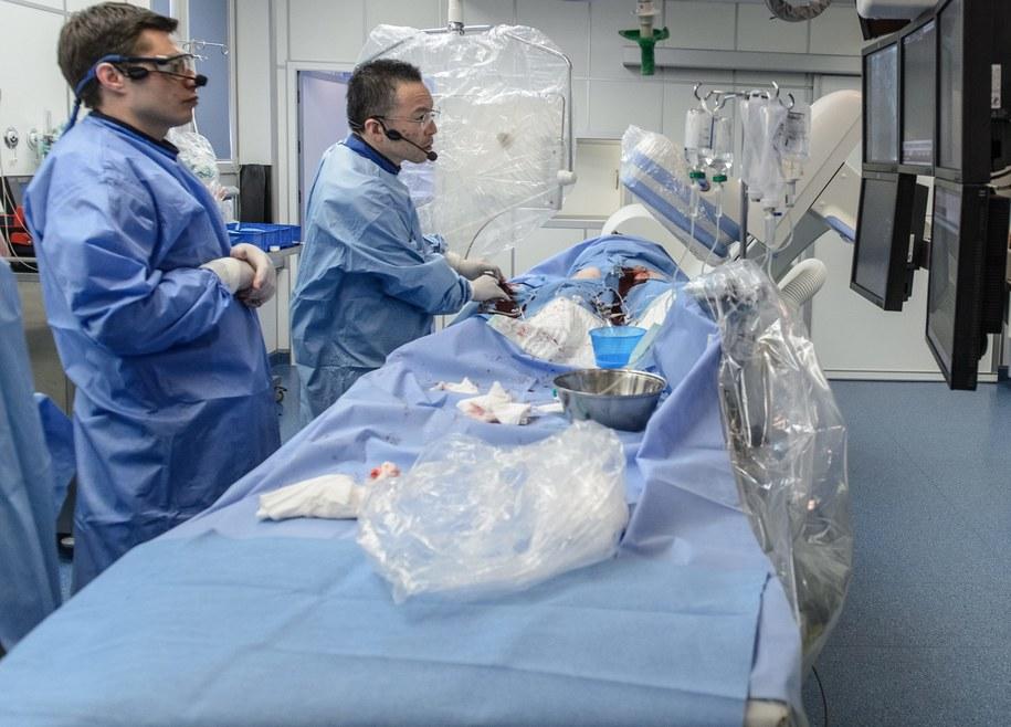 We Francji w ostatnim czasie doszło do kilku skandali w służbie zdrowia (zdj. ilustracyjne) /Wojciech Pacewicz /PAP