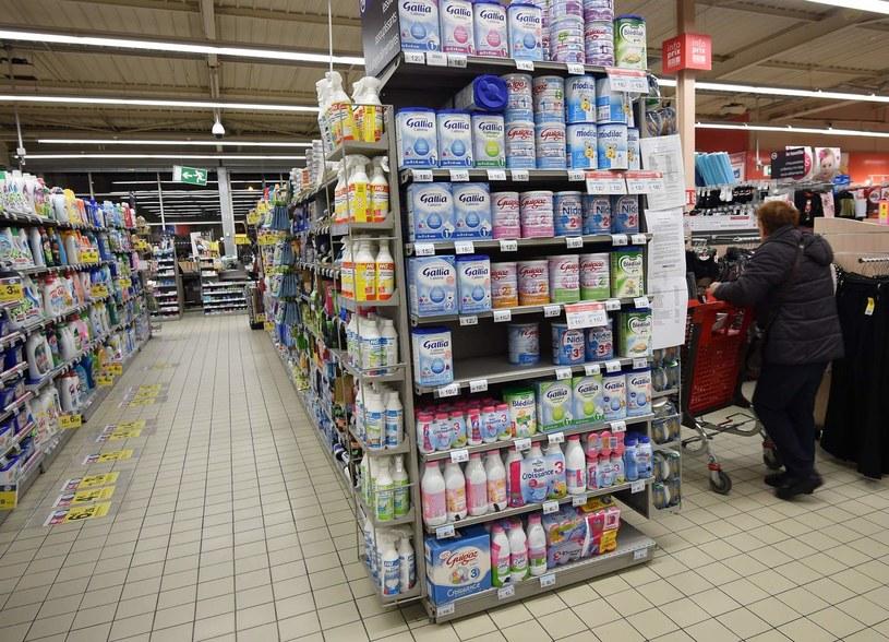 We Francji zakaz dotyczy tylko największych hipermarketów /AFP