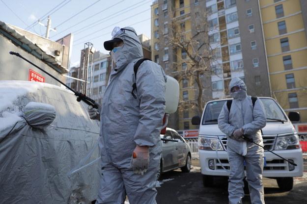 We Francji zmarł chiński turysta z koronawirusem - pierwszy przypadek śmiertelny w Europie /WU HONG /PAP/EPA