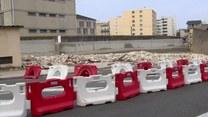We francuskiej miejscowości Poissy zawalił się 30 metrowy fragment muru więziennego