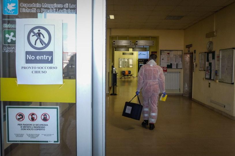 We Włoszech koronawirus zabił już siedem osób (na zdj. szpital w Codogno) /MATTEO CORNER /PAP/EPA