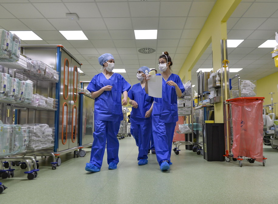 We Włoszech z powodu koronawirusa zmarło już ponad 6 tys. osób /Andrea Fasani /PAP/EPA