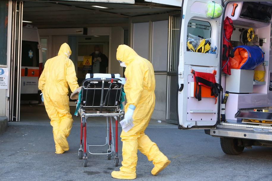 We Włoszech z powodu koronawirusa zmarły 2 osoby /NICOLA FOSSELLA /PAP/EPA