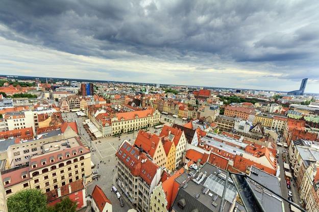 We Wrocławiu kupujący nabywają lokale w średniej cenie w okolicach 6000 zł za m kw. /©123RF/PICSEL