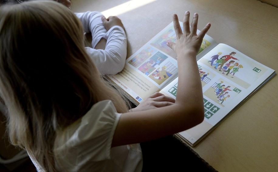 We wrześniu do szkoły powinny pójść wszystkie sześciolatki /Darek Delmanowicz /PAP