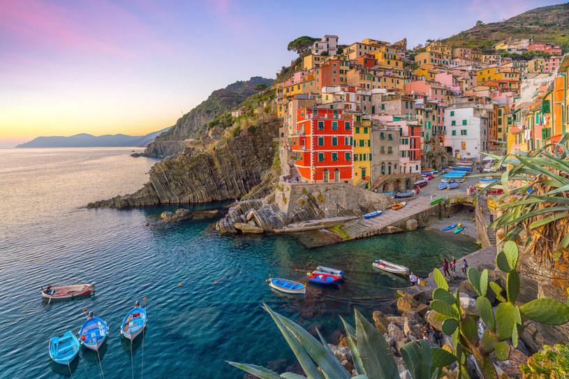 We wrześniu warto choćby odwiedzić włoskie Cinque Terre, poza sezonem wolne od turystów /123RF/PICSEL