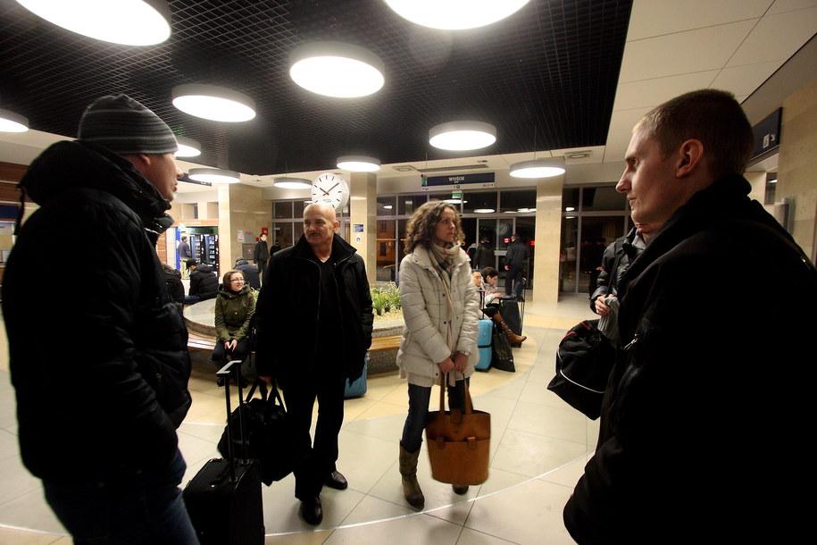 We wtorek około godziny 16 opóźnienia przekraczające 120 minut miało 16 pociągów /Tomasz Wojtasik /PAP