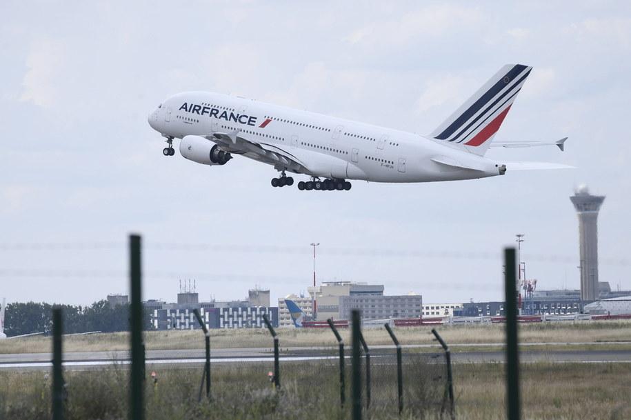 We wtorek zniesiony został zakaz połączeń lotniczych z Francją //JULIEN DE ROSA / POOL /PAP/EPA