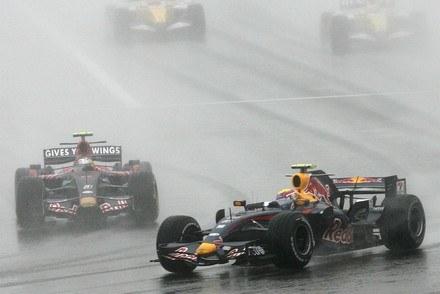 Webber przed Vettelem / Kliknij /AFP