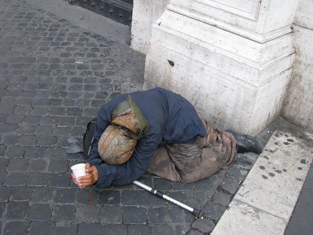 Wedle tych założeń w Polsce żyje około 70 tysięcy osób bezdomnych. /INTERIA.PL