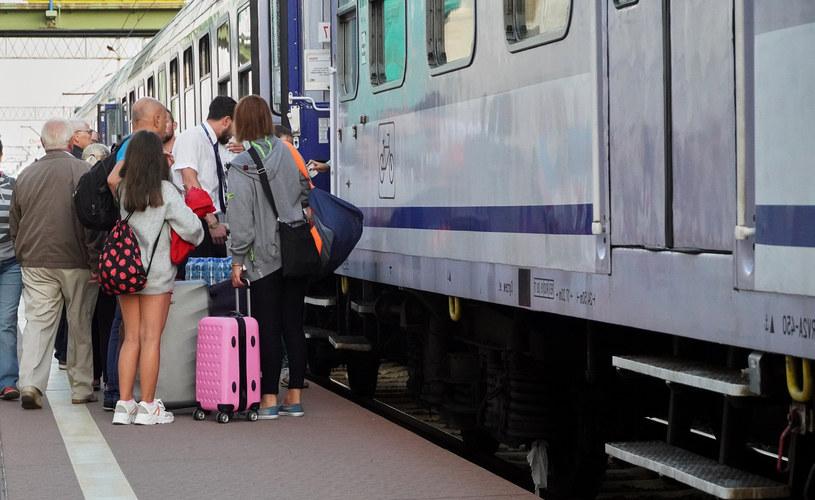 Według ankiety przeprowadzonej przez PKP Intercity najbardziej uprzykrzają innym życie pasażerowie, którzy prowadzą głośne rozmowy telefoniczne
