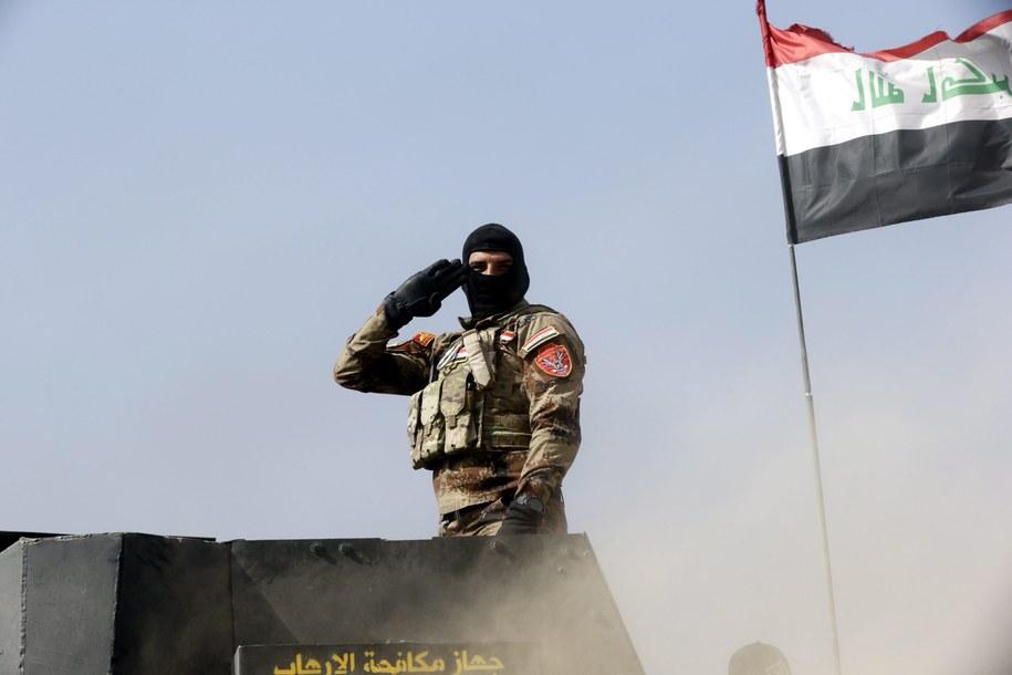 Według danych ONZ z okolic Mosulu z powodu ofensywy sił irackich uciekło już ponad 4 tys. ludzi /EPA/AMEL PAIN /PAP/EPA