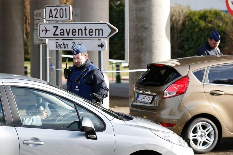 Według doniesień na lotnisku w Brukseli pracuje 50 islamistów /PAP/EPA