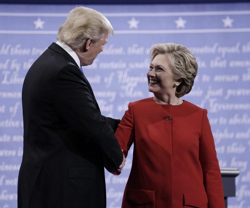 Według komentatorów, Trump przegrał pierwszą debatę z Clinton /PAP/EPA