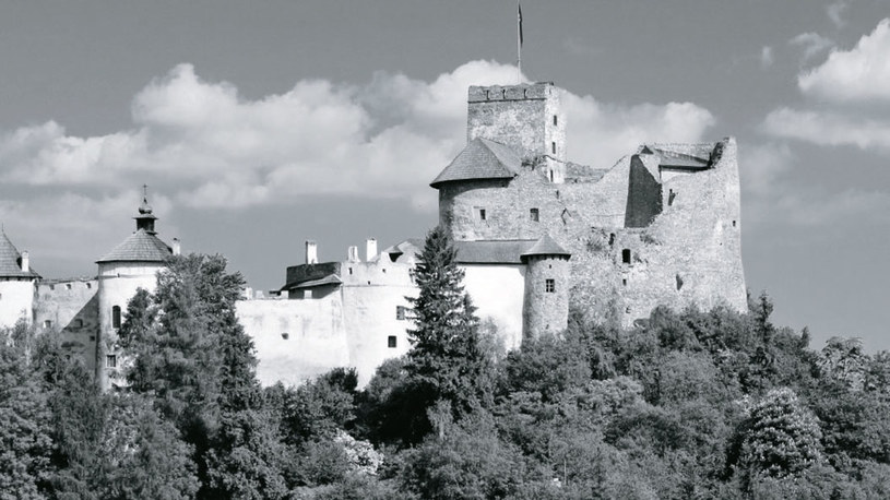 Według legendy na zamku w Niedzicy straszy duch Brunhildy, która zginęła z rąk męża, księcia Bolesława /Świat Seriali