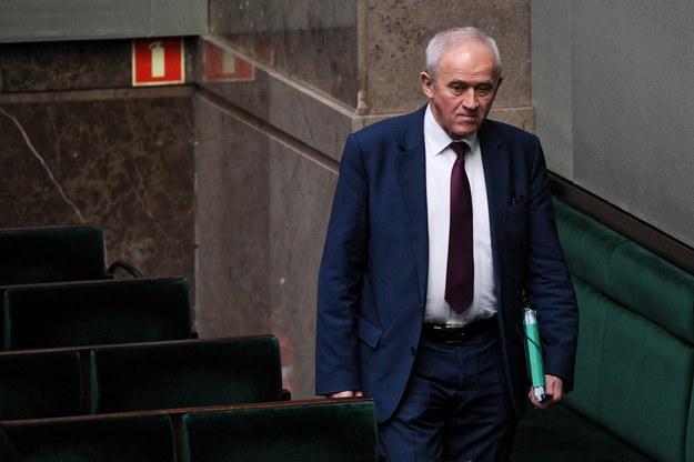 Według minister finansów to minister Tchórzewski musi znaleźć pieniądze na rekompensaty /Radek Pietruszka /PAP