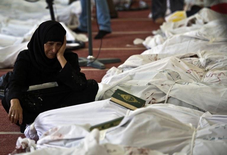 Według najnowszego bilansu zginęło 525 osób /AFP